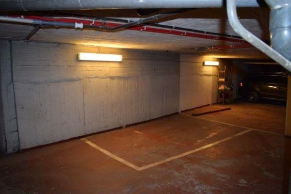 Garage louer adresse non d voil e 1200 woluwe saint for Garage a louer 93