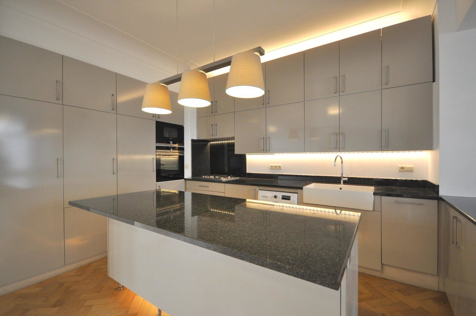 Appartement te huur : rue des pierres 29 1000 brussel op realo